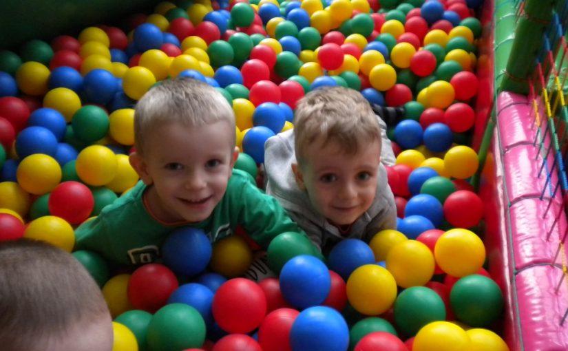 Dzieci z gr.I w Krainie Zabaw w Niepołomicach